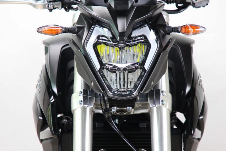 500R-noir4-1024x683
