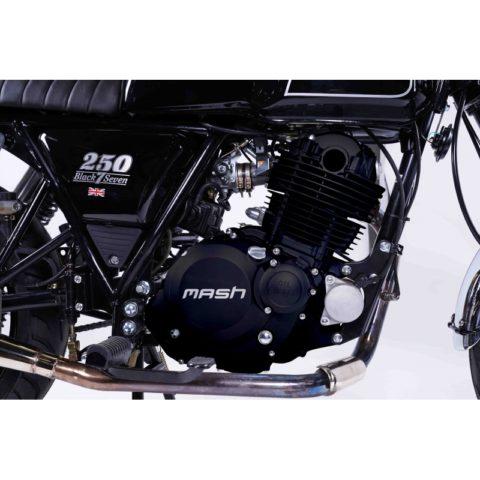mash-black-seven-250-cc (5)
